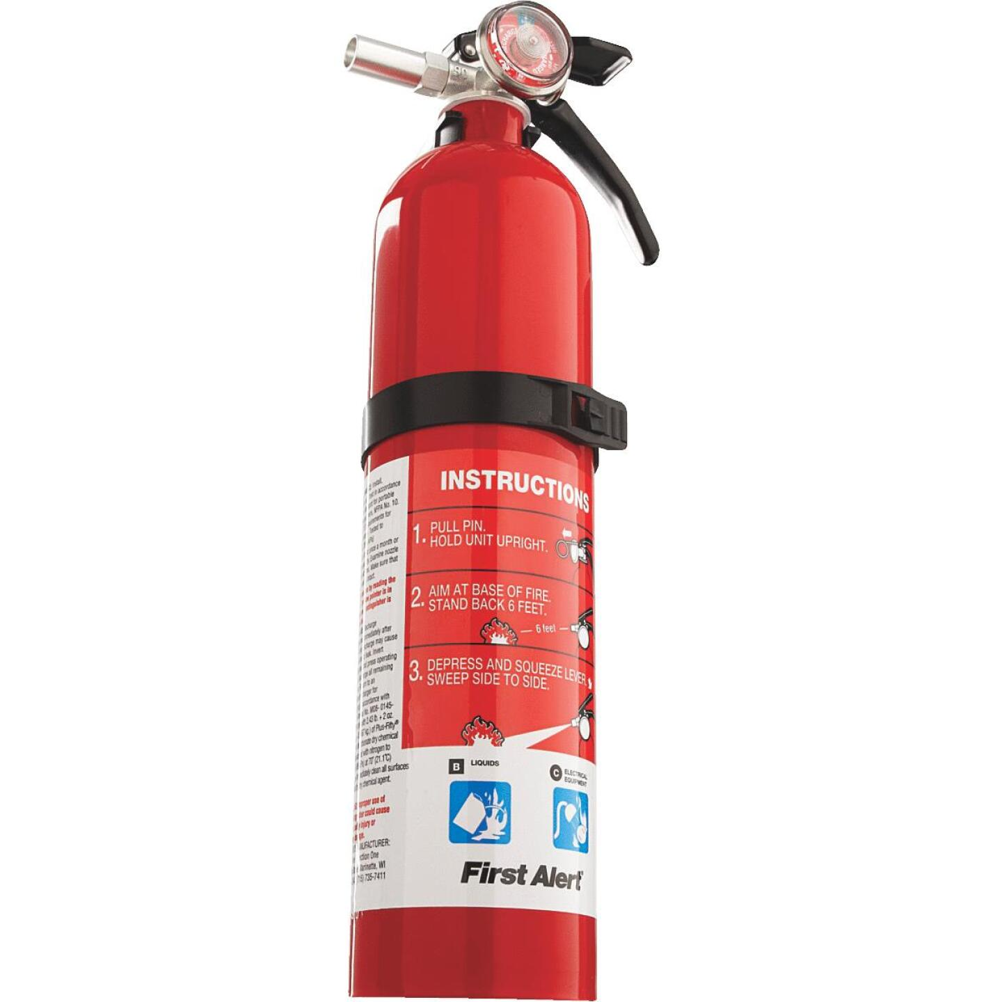 First Alert 10-B:C Rechargeable Garage Fire Extinguisher Image 4